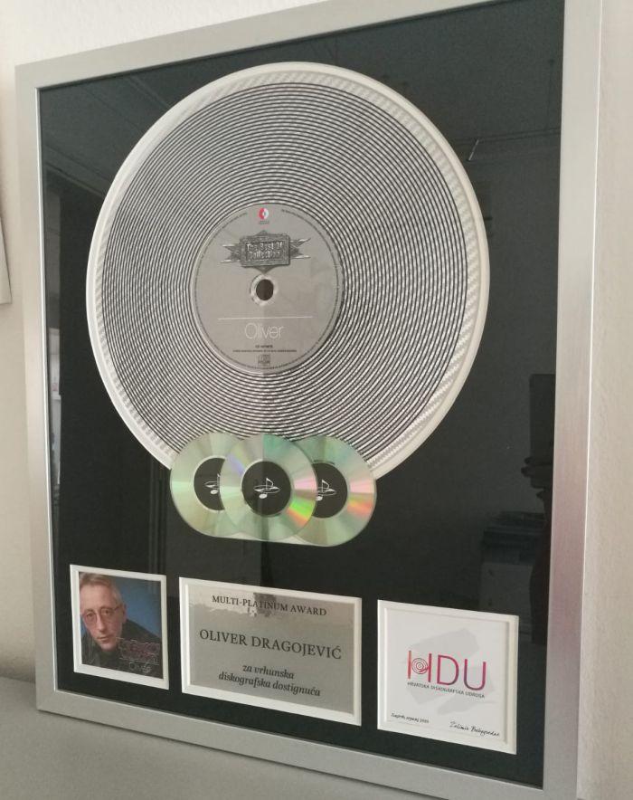 Multi platinum award Oliveru web